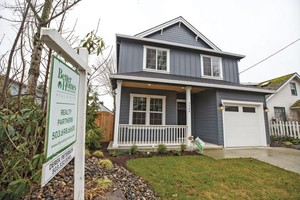 Portland Requires Contractors To Protect Neighbors From Lead Paint - Portland paint
