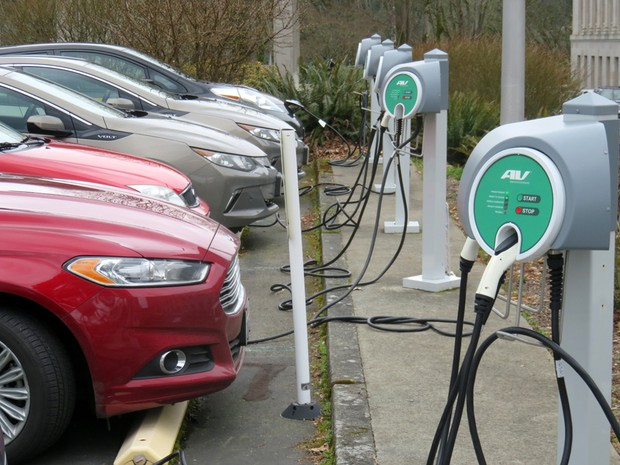 Plug In Cars Charge Up At The Washington State Capitol Campus A Disproportionately High