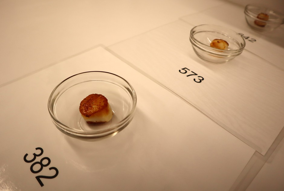 In the blind taste test, it was hard to tell which scallops had been previously frozen.