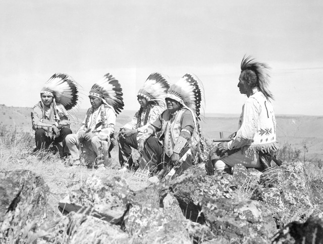 Warm Springs first tribalcouncil in 1928. From left to right: George Meachum, Isaac McKinley, Charley McKinley, Nathan Heath and Jackson Culps.