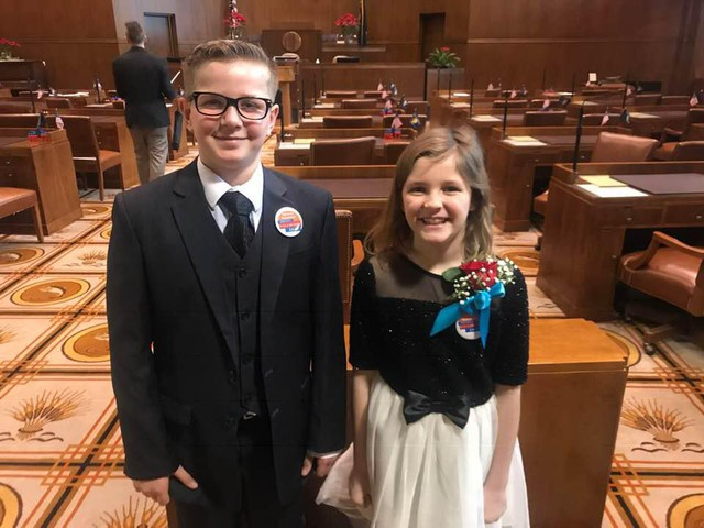 Kid Governor, Erikka Baldwin and outgoing Kid Governor Dom Peters in the Oregon state senate, January 2019.