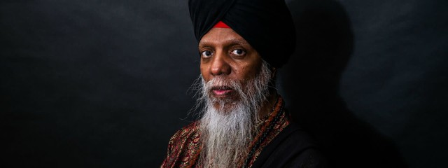 Headlining organist Dr. Lonnie Smith.