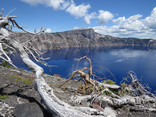 the city of Chiloquin has agreed to sell an estimated 2.5 million gallons of water to Crater Lake National Park during the months of May and June.