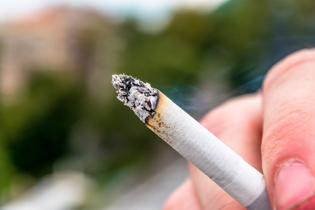 Oregon lawmakers are considering a bill to raise the age for tobacco use from 18 to 21.