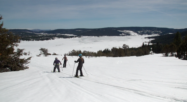 Our volunteer ski guides show us their favorite trail.