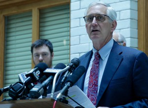 Portland Mayor Charlie Hales calls on Gov. Kate Brown to help stop dangerous oil trains from traveling through Oregon.