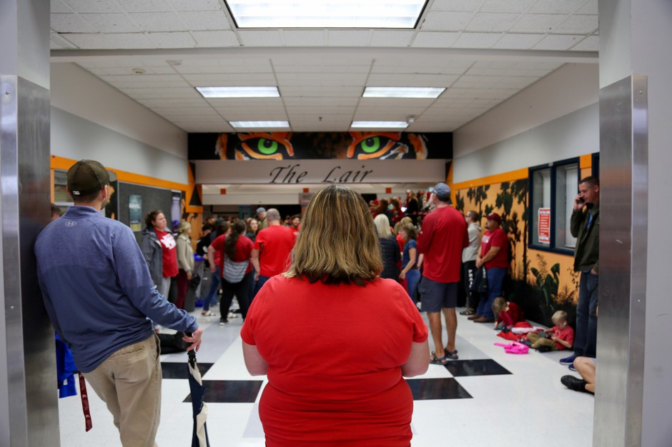 School teachers filled a packed auditorium at Battle Ground High School to vote on whether to approve the new salary contact. It passed overwhelmingly with 99 percent of union members voting in favor.