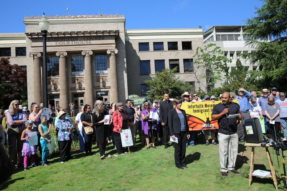 Isidro Andrade Tafolla, who was briefly detained by ICE outside the Washington County Courthouse in 2017, spoke to a crowd gathered outside the courthouse on Monday.