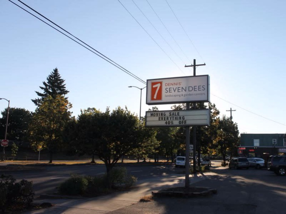 7 Dees On Portland S Se Powell To Become A Self Storage Facility News Opb